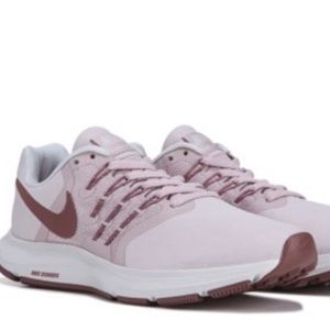 BNIB Nike Run Swift Running Rose Rose / Mauve sz10